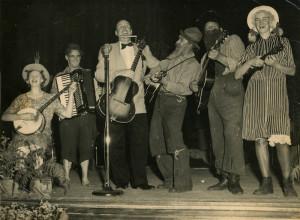 Victoria-Banjo-Club12