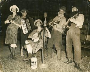 Victoria-Banjo-Club5